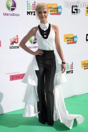 Полина Гагарина на церемонии «Муз-ТВ» в 2013 году