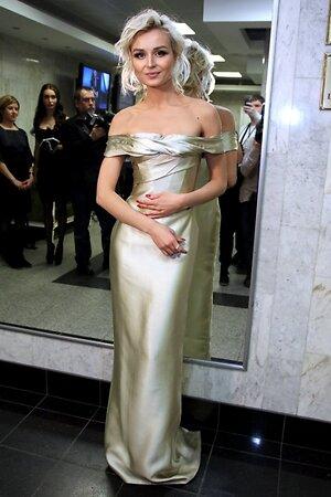 Полина Гагарина на праздничном гала-шоу Валентина Юдашкина в Кремле в 2014 году