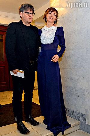 Валерий Тодоровский с женой Евгенией Брик на кинопремии «Ника»