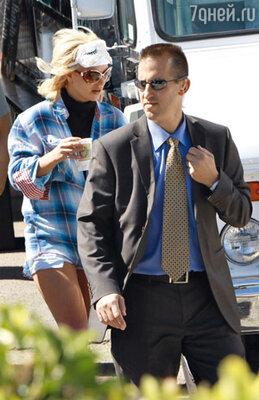 Бритни Спирс по дороге в студию звукозаписи