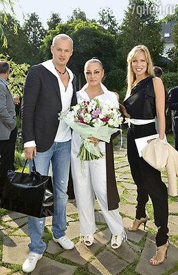 Алена с Олесей Судзиловской и ее мужем Сергеем