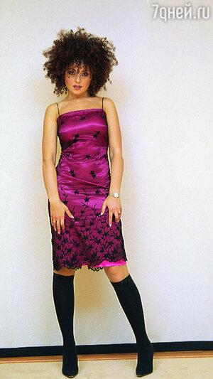 Анжелика не представляет свой гардероб без нарядных маленьких платьев, как, впрочем, и без...