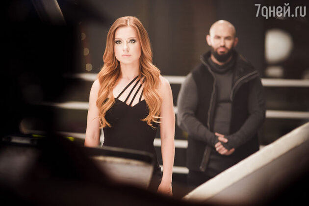 Юлия Савичева и Джиган в клипе «Любить больше нечем»