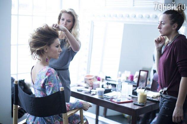 Елена Подкаминская со стилистом Алесей Матящук и художником по гримму Олей Афиногеновой