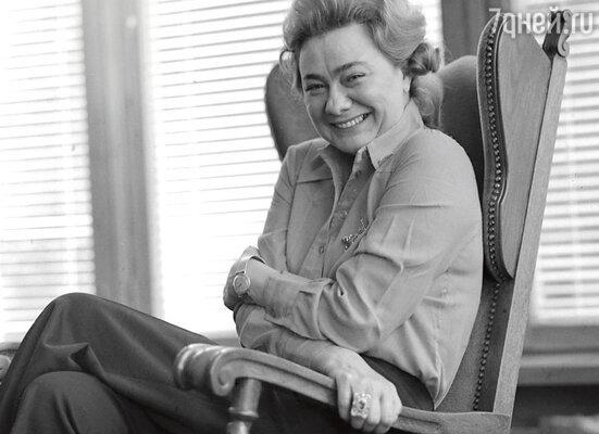 «Галина Брежнева была старше Игоря Кио на пятнадцать лет, но любовь их связывала пылкая. Галина же была очень эффектной женщиной»
