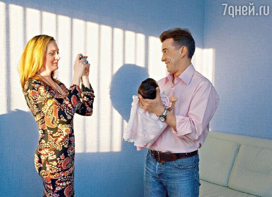«За прожитые вместе годы мы с Катей стали одним целым... Период ее беременности был самым счастливым в нашей семейной жизни, я сам себя не узнавал»