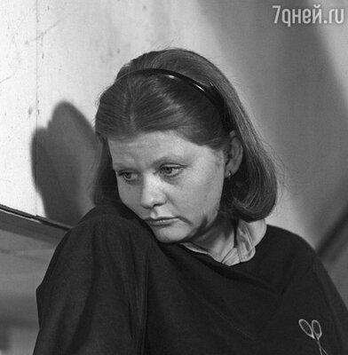 Сценарий замечательного фильма «Самая обаятельная и привлекательная» писали специально под Ирину Муравьеву