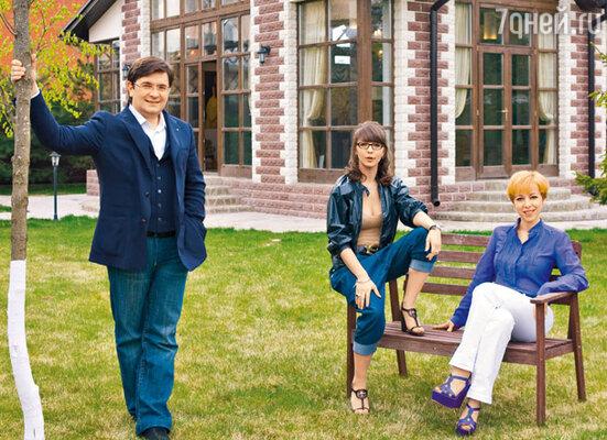 Вот уже 10 лет как убежденная урбанистка Максимовская вместе с мужем Василием Борисовым и дочерью Сашей живет в загородном доме