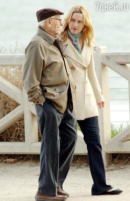 В комедийной мелодраме «Отпуск по обмену» партнершей Эли Уоллаха была Кейт Уинслет