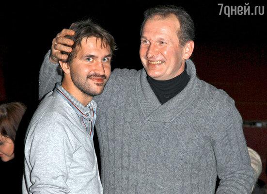Федор Добронравов поздравляет сына Ивана с актерской удачей