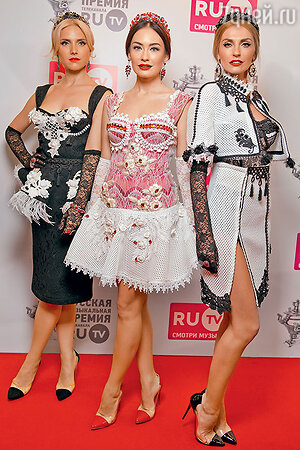 Группа «Фабрика»: Ирина Тонева, Александра Попова и Александра Савельева
