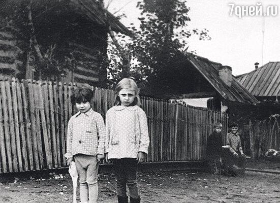 До шести лет я жила в глухой деревне, где электричество появилось только в конце семидесятых