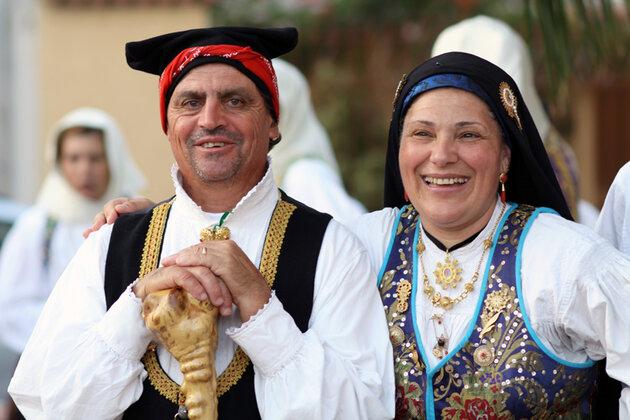Жители Сардинии на фолк фестивале