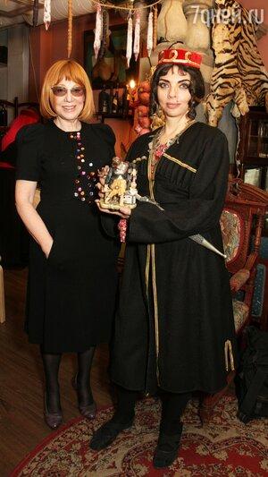 Кира Прошутинская, Екатерина Рождественская