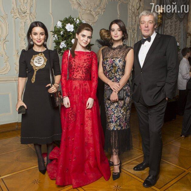 Тина Канделаки с дочкой Меланией, Александр Стриженов, Саша Стриженова