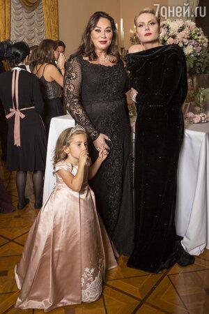 Рената Литвинова, Алла Вербер с внучкой Элизабет