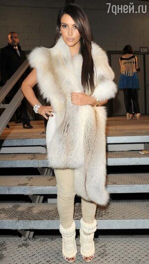 Ким Кардашьян в босоножках от Kanye West for Giuseppe Zanotti