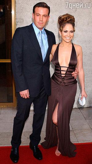 По контракту, составленному Дженнифер, Бен должен заниматься с ней любовью не менее 4 раз в неделю. Увиливание обойдется Эффлеку в 5 миллионов долларов штрафа!