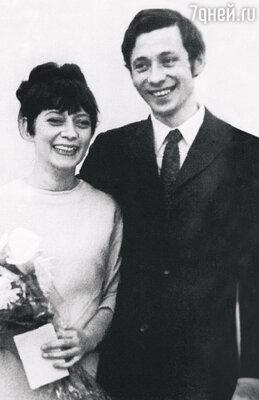 Свадьба Олега Даля с Елизаветой Апраксиной. 1970 год