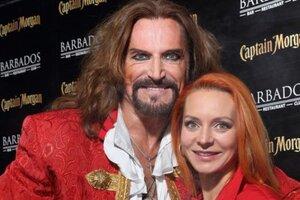 Джигурда снял клип о пиратах с женой в главной роли