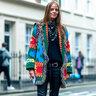 Модники торопятся на показы в Париже, Милане, Лондоне и Нью-Йорке