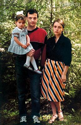 Мое нереально прекрасное детство: лучшие в мире папа и мама с обожаемой Агнюшей