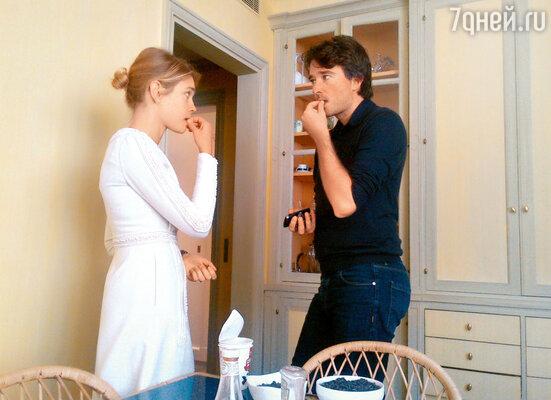 Антуан и Наталья на кухне в своей парижской квартире. 2012 г.