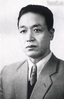 Отец был ярым японским революционером, очень идейным и принципиальным