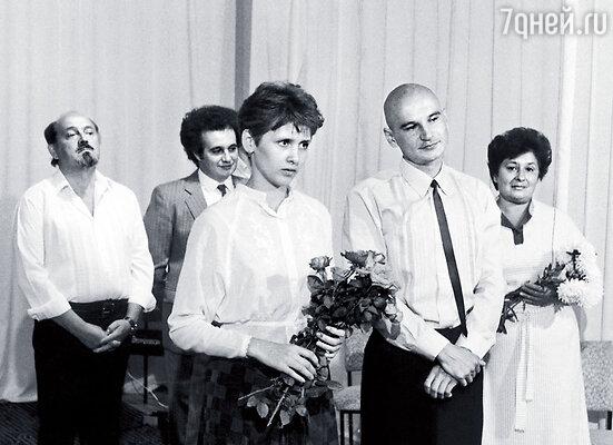 Наша свадьба. На заднем плане — родители Алексея и его школьный друг Евгений Горенбург