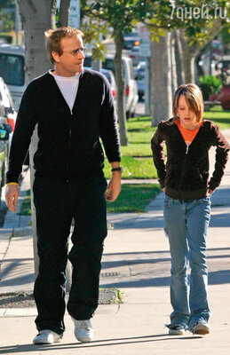Моя дочь никогда не слышит от меня никаких запретов, лекций и нотаций. С дочерью Элеонор. Западный Голливуд, 2004 год