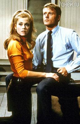 Партнершами Редфорда были все самые знаменитые голливудские актрисы нескольких поколений. Роберт Редфорд и Джейн Фонда в фильме «Босиком по парку». 1977 год