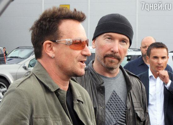 ������ U2