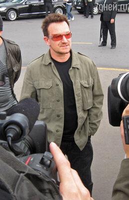 Лидер группы U2 Боно