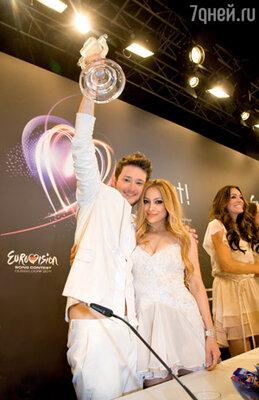 Победители «Евровидения-2011» — азербайджанский дуэт Эльдар Гасымов и Нигяр Джамал
