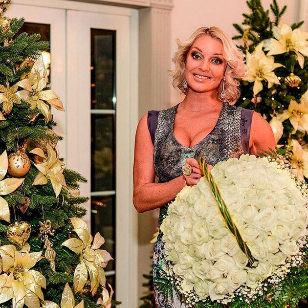 Анастасия Волочкова принимает поздравления