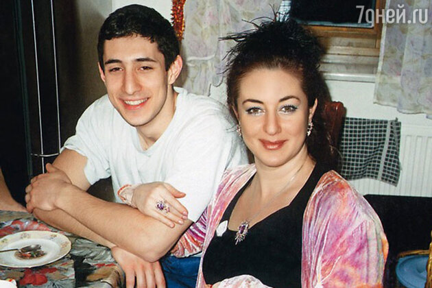 Тамара Гвердцители с сыном Сандро