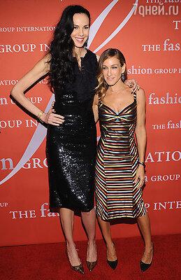 С одной из своих давних подруг и клиенток Сарой Джессикой Паркер. Нью-Йорк, октябрь 2012 года