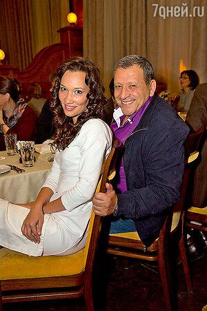 Борис Грачевский с новой девушкой Катей