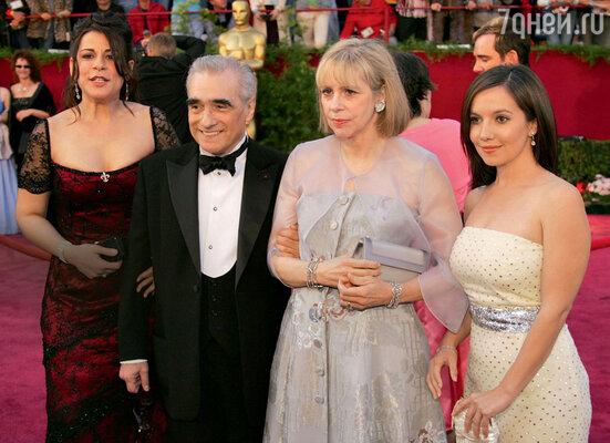Пятый брак Мартина Скорсезе оказался, наконец, счастливым. С женой Хелен идочерьми Кэтрин и Доменикой
