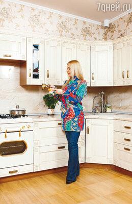 «Мне понравилось жить одной, вести собственное хозяйство. Я научилась готовить. Люблю приглашать на ужин друзей»