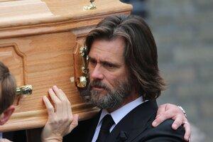 Джима Керри обвинили в гибели его подруги