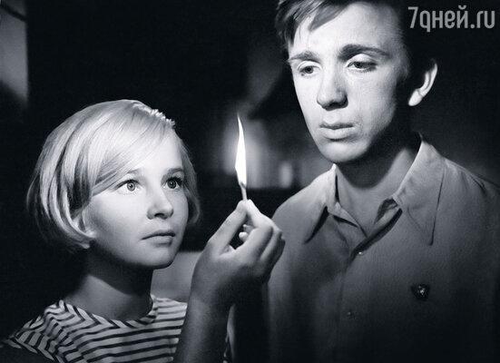Наталья Богунова и Евгений Стеблов в картине «До свидания, мальчики!»