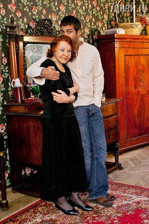 Иван Ургант с бабушкой Ниной Николаевной