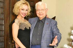 Олега Табакова поздравила с Новым годом английская королева