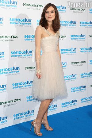 Кира Найтли (Keira Knightley) на концерте «Serious Fun»