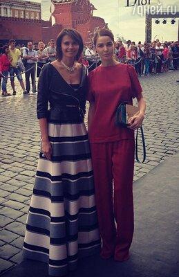 Алена Ахмадуллина и Анна Брострем