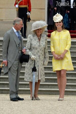 Принц Чарльз с супругой и Кейт Миддлтон
