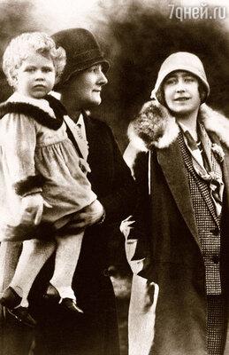 Клара Найт, няня королевы?матери, нянчила июную Елизавету II. 1928 г.