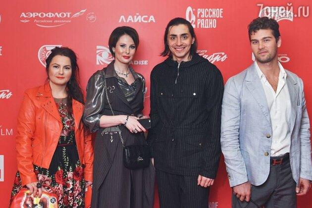 Ольга Погодина с гостями премьеры