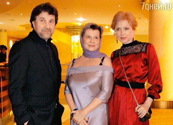 Леонид Ярмольник с женой Оксаной и Ирина Гринева